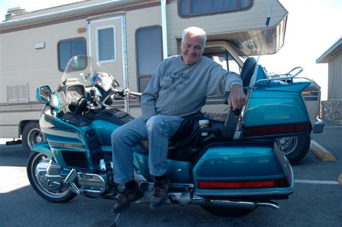 Les, Gold Wing Rider